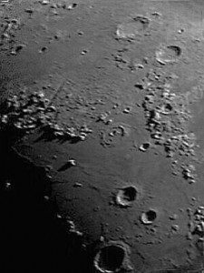 Moon-Dynamax32